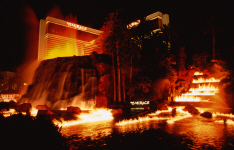 lasvegas-mirage-volcano-eruption.jpg (214426 bytes)
